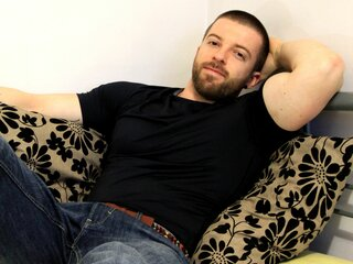 Photos show adult TheBeardedHunk